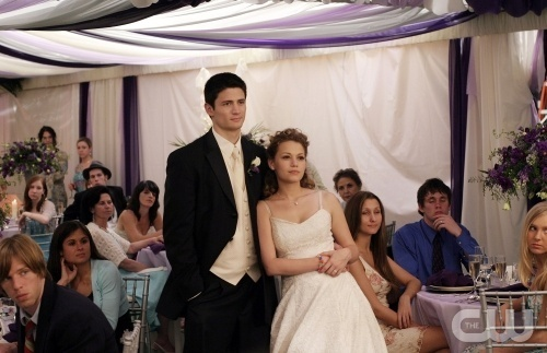 One Tree Hill- The Highschool Years wallpaper entitled Naley ♡