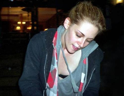 New Pics of Kristen in Argentina