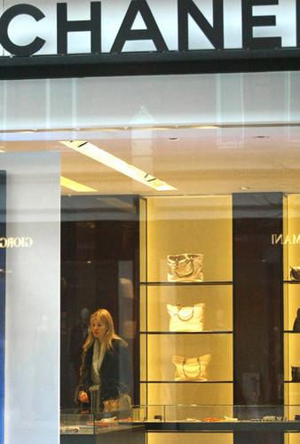 Rosamund پائیک, پائک at Chanel