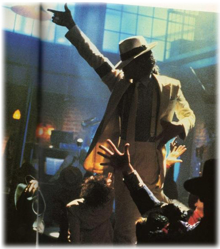 SMOOTH CRIMINAL!
