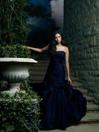 Season 2 - Promotional Cast Photo - Nina Dobrev - the-vampire-diaries photo