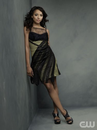 http://images4.fanpop.com/image/photos/15000000/TVD-Season-2-Bonnie-the-vampire-diaries-15033298-375-500.jpg