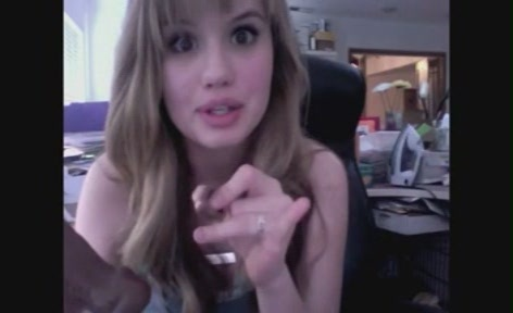 Debby Ryan karatasi la kupamba ukuta called Youtube Videos>16 Wishes