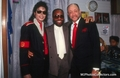 he is the best!!!!!!!!!!!!!!!!! - michael-jackson photo