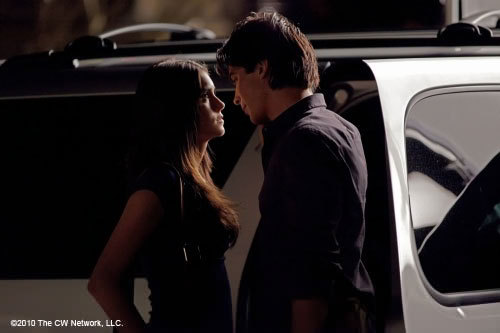 omg is this Elena with Damon??? 2x03 Bad Moon Rising