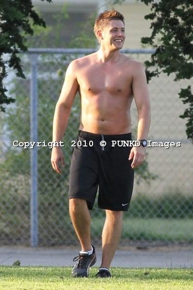 bóng đá shirtless