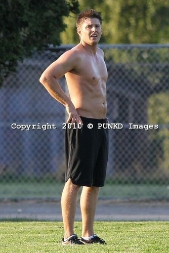 soccer shirtless - jensen-ackles Photo