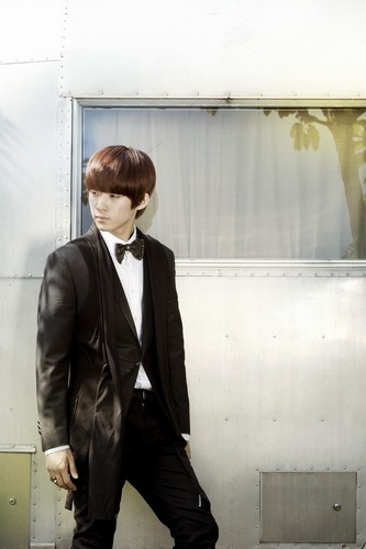 F.T. Island wallpaper containing a business suit and a suit titled  Jae Jin