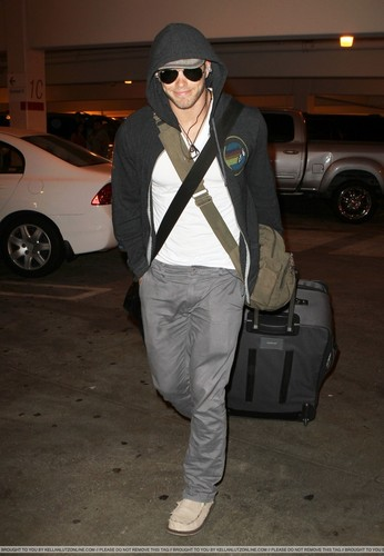 Kellan Lutz images  LAX Airport - 29 August 2010 HD wallpaper and background photos