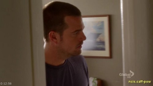 1x01 Identity - ncis-los-angeles Screencap