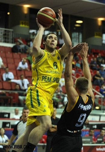 basketball Hintergrund possibly containing a basketball, a basketball player, and a dribbler titled 6. Adam GIBSON (Australia)