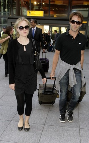 Anna Paquin and Stephen Moyer arriving into Heathrow Airport (August 31)
