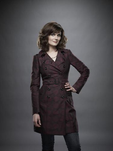 অস্থি - Season 6 - Cast Promotional ছবি