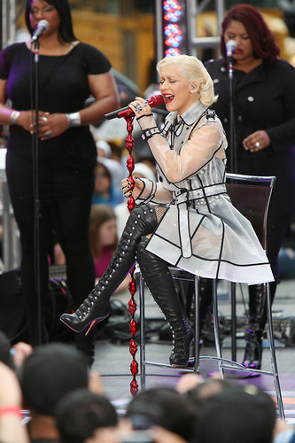 Christina Aguilera on 'The CBS Early Show' 2