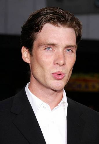 Red Eye দেওয়ালপত্র containing a business suit and a suit titled Cillian at the Red Eye Premiere
