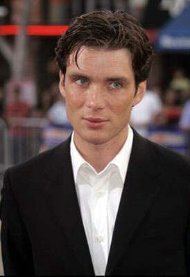 Red Eye দেওয়ালপত্র containing a business suit and a suit entitled Cillian at the Red Eye Premiere