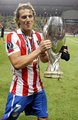 Diego Forlan wins with Atlético Madrid the Supercup 2010
