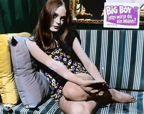 Elizabeth Hartman in You're a Big Boy Now