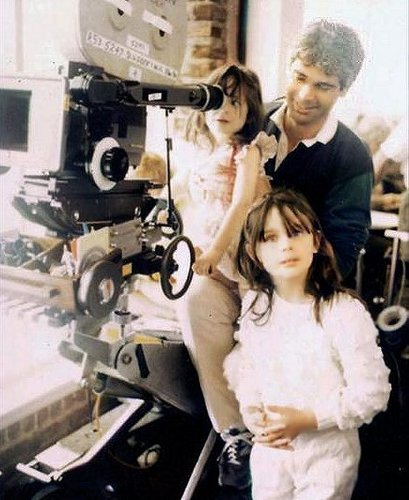 Deschanel wallpaper with an internal combustion engine titled Emily, Zooey and Dad Caleb