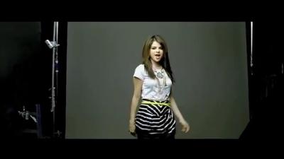 Falling Down musique video