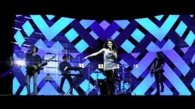 Falling Down 음악 video