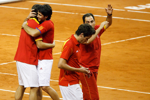 Feli tries to hide his sadness as Nando cheats with Rafa 2