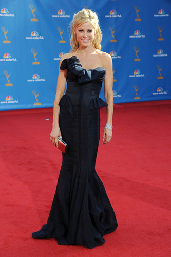Julie Bowen @ the 62nd Annual Primetime Emmy Awards