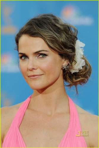 Keri Russell - Emmys 2010 Red Carpet - keri-russell Photo