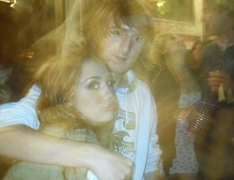 더 많이 Miley's Personal Pictures !