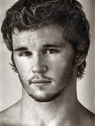 Ryan Kwanten da Paul Freeman