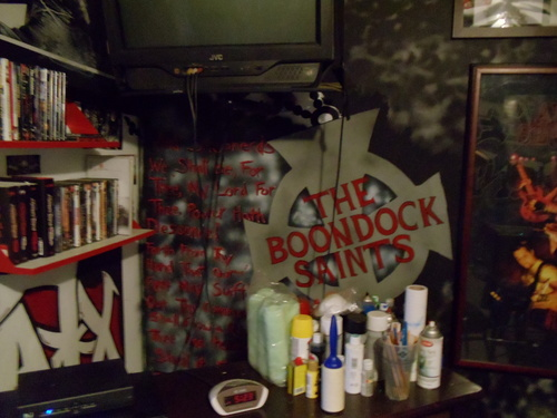 The Boondock Saints wallpaper entitled Spray Painting I made of The Boondock Saints Cross in My Room with prayer from the movie on the side