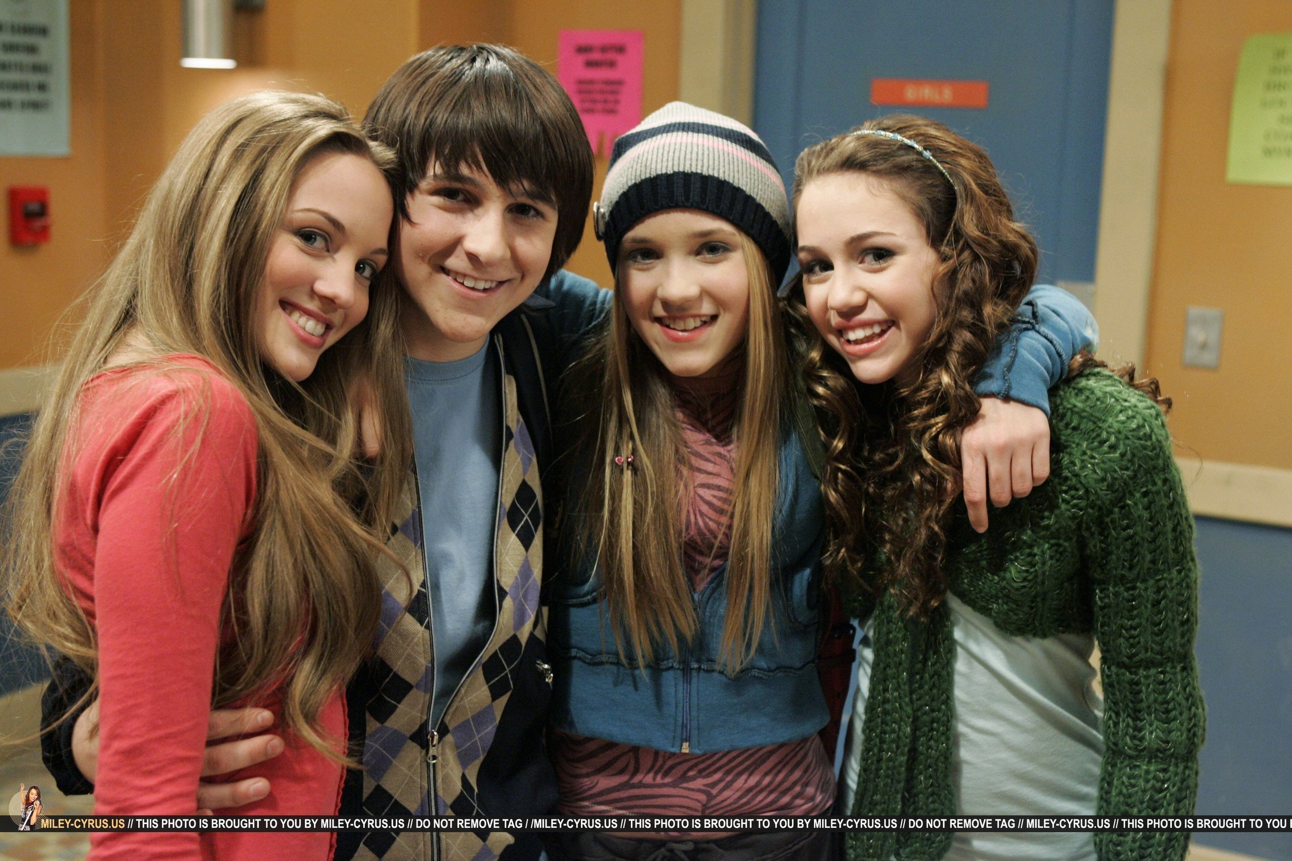 Hannah Montana - Wallpaper Actress