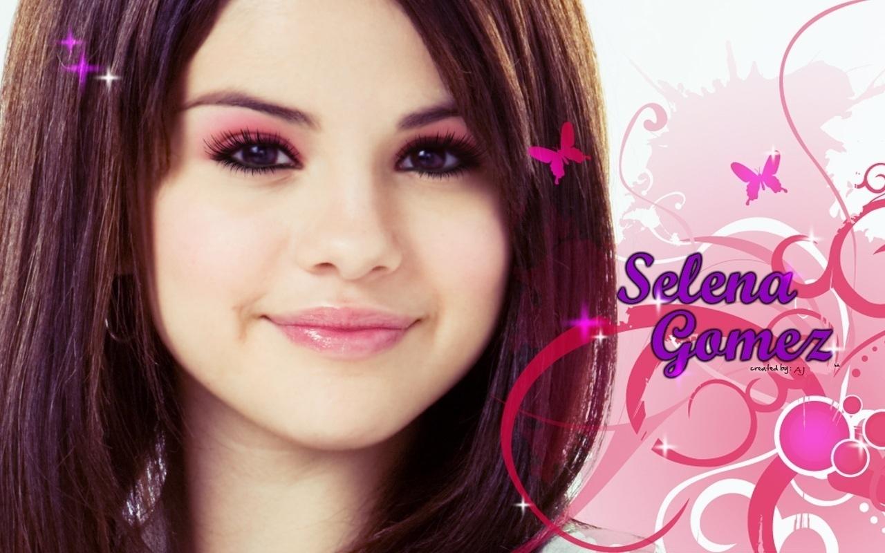 Selena Gomez selena