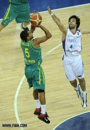 Basketball wallpaper containing a dribbler and a basketball player entitled 5. Patrick MILLS (Australia)