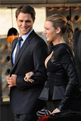 Blake Lively and Sam Page [on set]