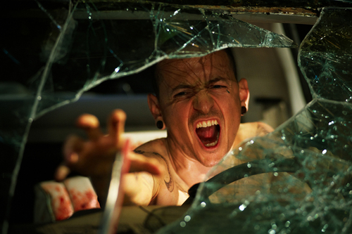ホラー映画 壁紙 probably with a parasol entitled Chester Bennington in Saw 3D