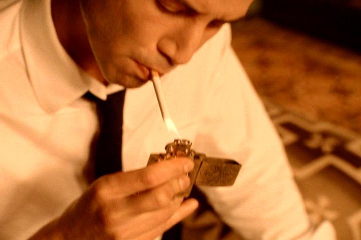 позволить киану ривз курит 4 пачки сигарет маршруту