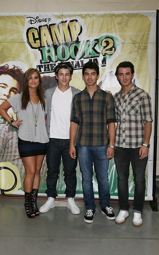 Demi and JoBros in Toronto,Canda
