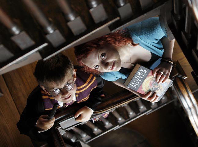 http://images4.fanpop.com/image/photos/15200000/Evanna-Lynch-Lan-ando-o-MS-READaTHON-2010-evanna-lynch-15279994-648-481.jpg