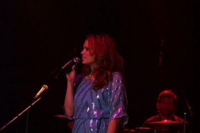 Everly Performing at the кукуруза Palace (08/29/10)