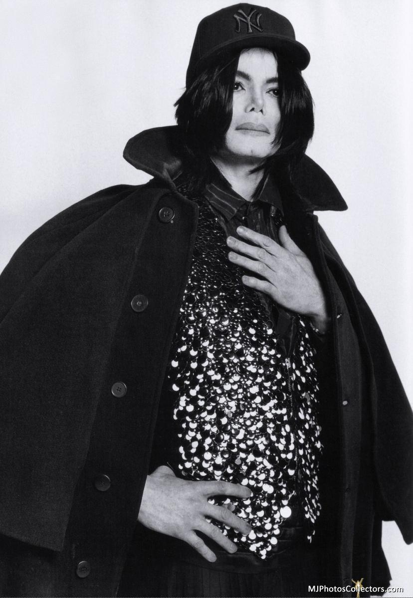 L-uomo-Vogue-Photo-Shoots-michael-jackson-2002-2009-15267529-828-1200.jpg (828×1200)