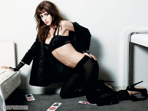 Lizzy Caplan wallpaper probably with bare legs, hosiery, and a hip boot entitled Lizzy!