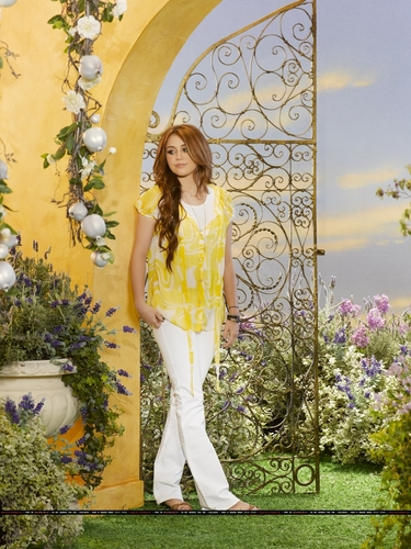 MILEY STEWART Hannah Montana forever promoshoot HQ as s part of 100 days of hannah !!!