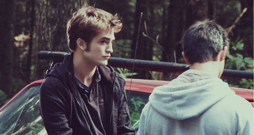 New/Old تصویر Of Robert Pattinson And Taylor Lautner On The Set Of Eclipse