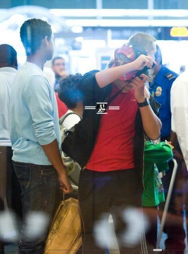 The Jackson Kids Depart Florida
