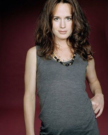 Elizabeth Reaser wallpaper possibly with a top and a portrait called Unknown PhotoShoot #1