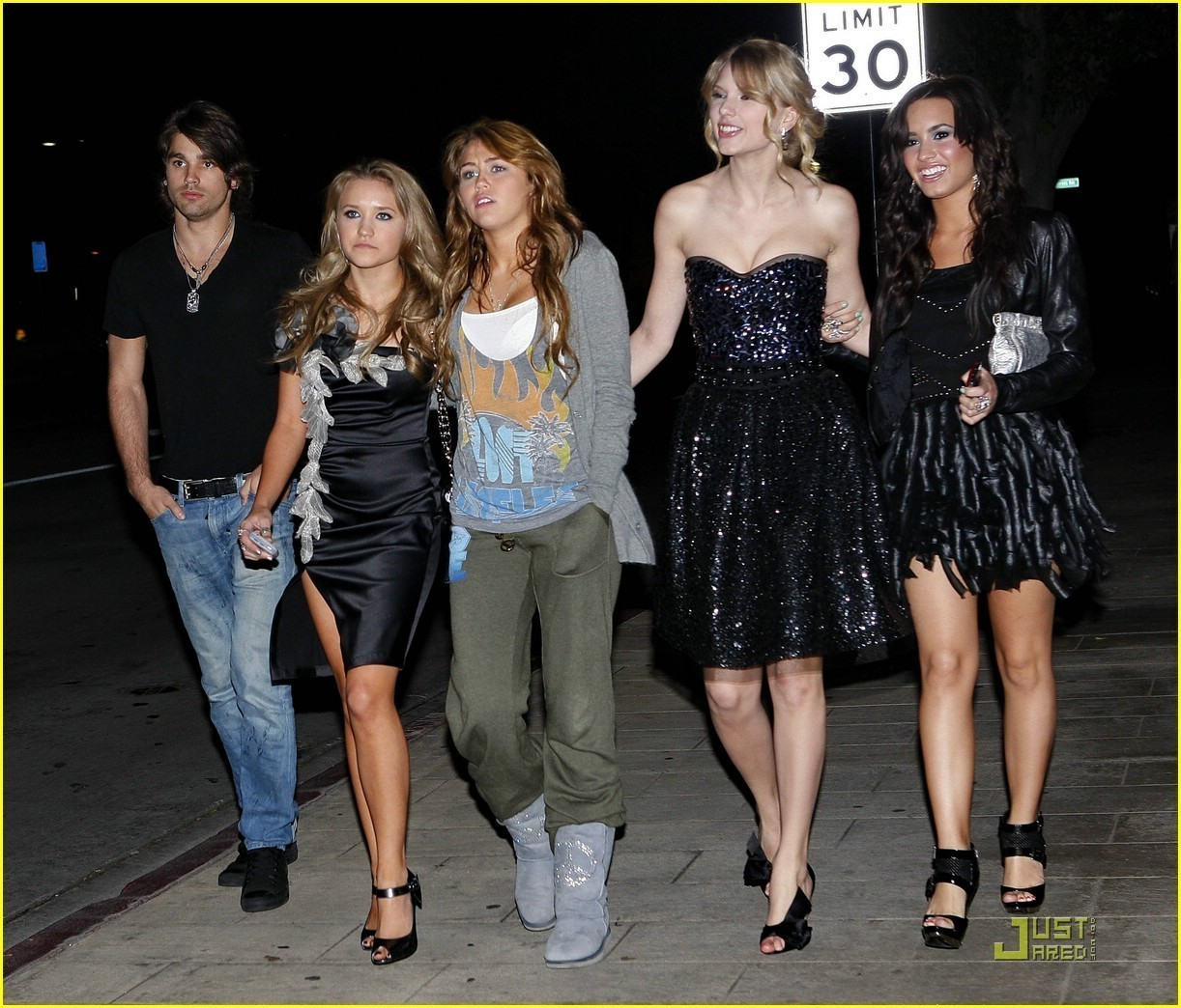 demi and friends