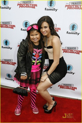 demi and her sister