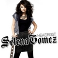 selena rules. - miley-cyrus-vs-selena-gomez photo