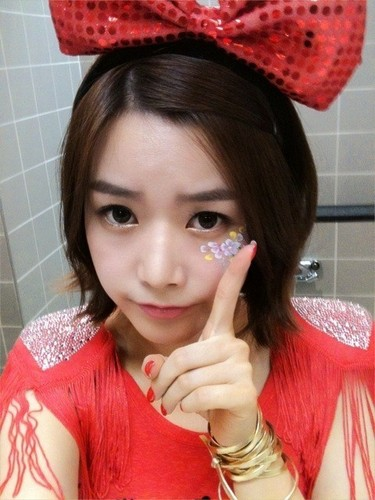 T-ARA (Tiara) wallpaper entitled soyeon twitter selca soo cute